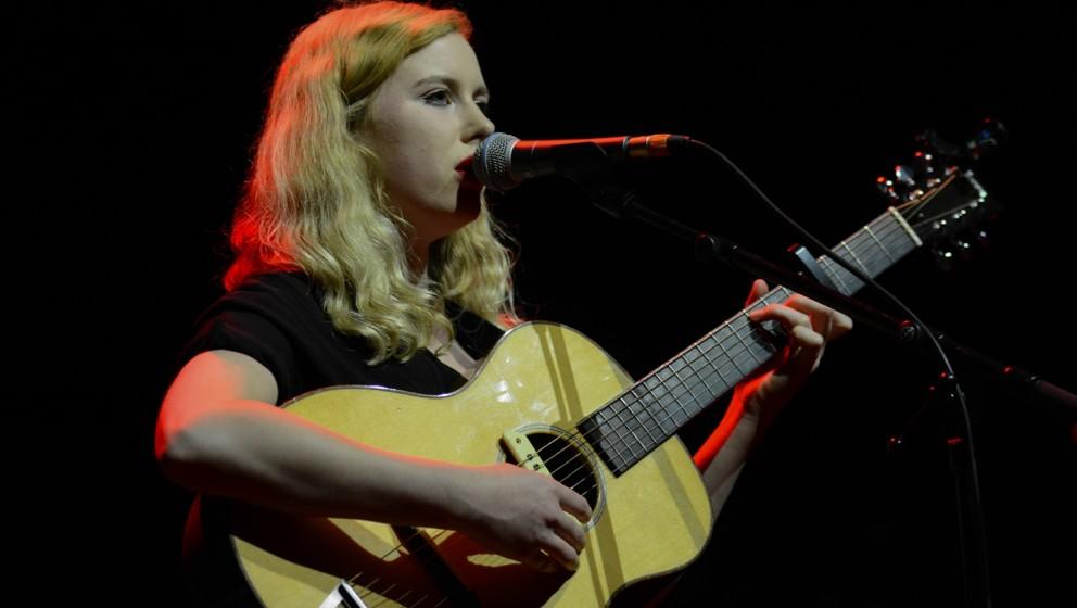 Holly Macve live beim Loreley Festival