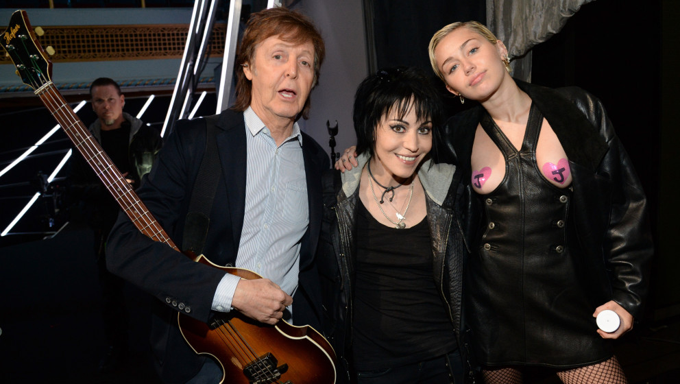 CLEVELAND, OH - APRIL 18:  Paul McCartney, Joan Jett and Miley Cyrus attend the 30th Annual Rock And Roll Hall Of Fame Induct
