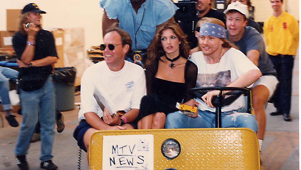 Stephanie Seymour (center) and Axl Rose (right) (Photo by Jeff Kravitz/FilmMagic)