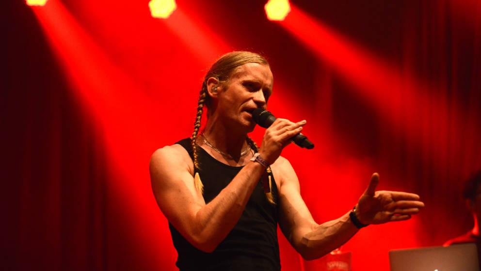 """Romano und Ferris MC werden auf der """"Everything is Rock'n'Roll""""-Vernissage von Gerrit Starczewski gemeinsam auftreten."""