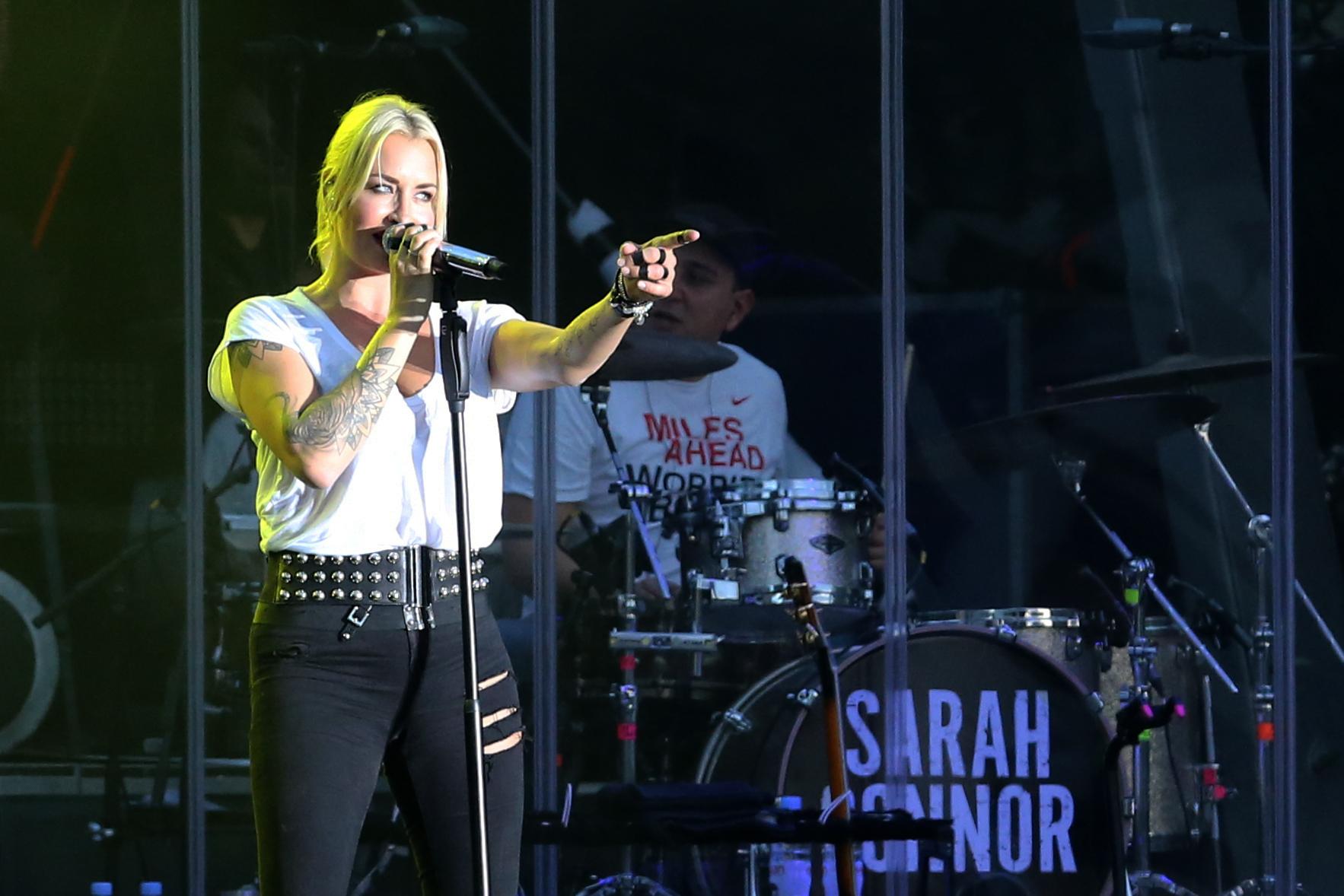 Sarah Connor, Konzerte auf der Hitradio FFH Bühne an der Alten Oper  , Feierlichkeiten zum Tag der Deutschen Einheit 2015, 2