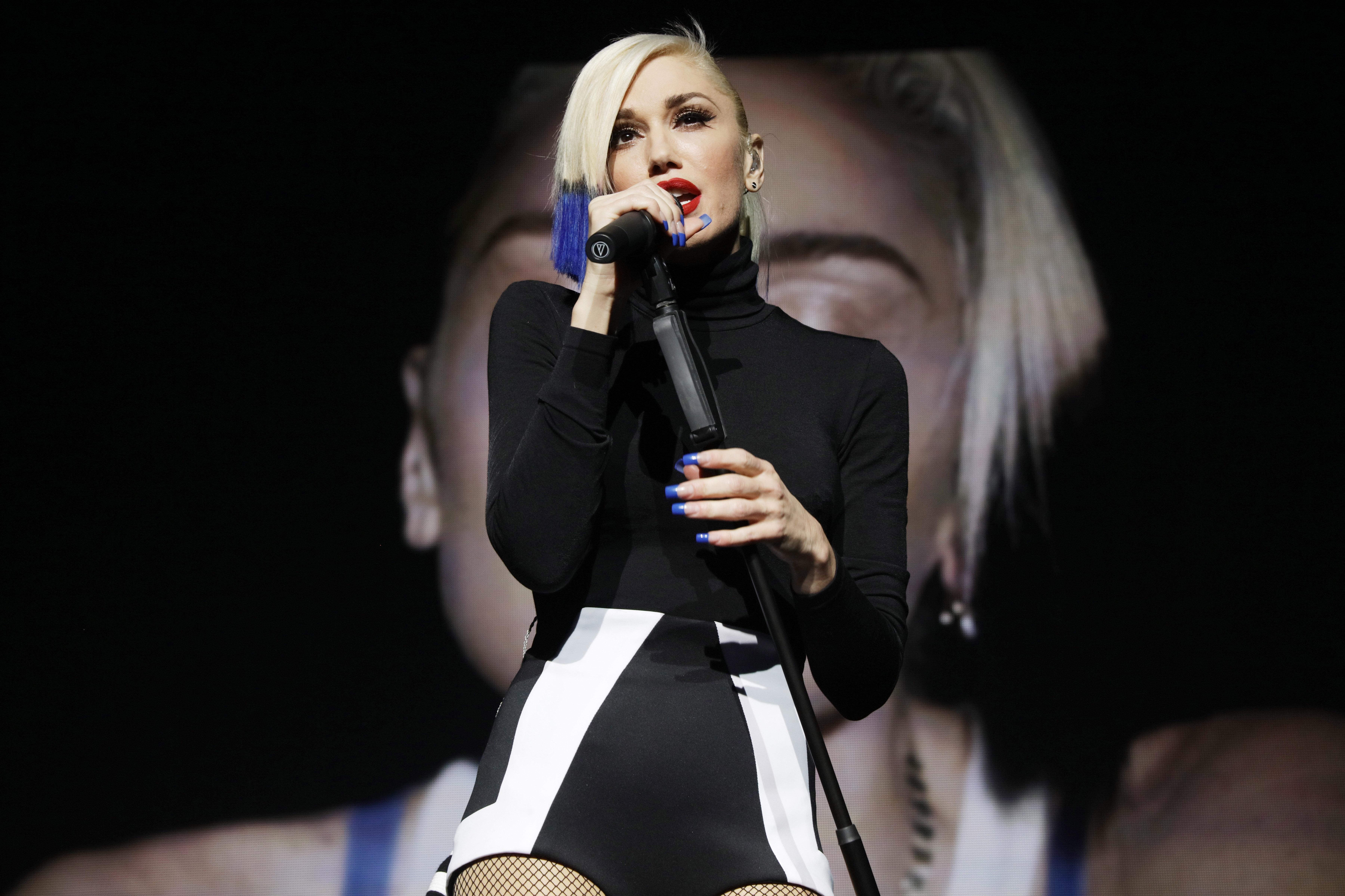 """Gwen Stefani singt """"Used to Love You"""" zum ersten Mal live in New York, 17. Oktober."""
