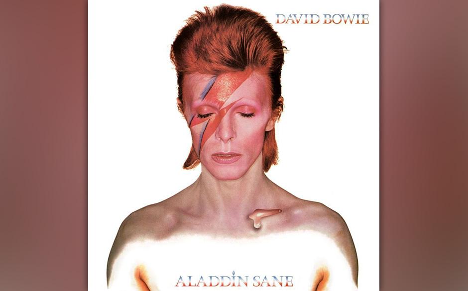 99. 'Cracked Actor'.  Mick Ronson spielt sein schönstes Riff, und Bowie findet sich in der Rolle des paranoiden, drogensüch