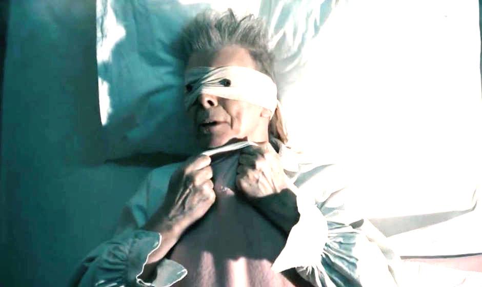 """David Bowie im Video zu seinem Song """"Lazarus"""""""