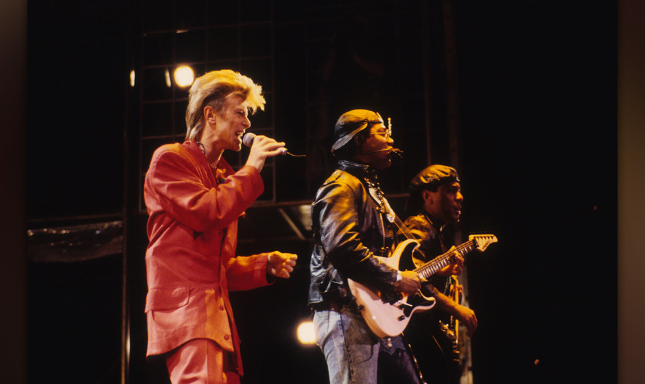 ST.PAUL, MN - OCTOBER 1:  David Bowie performs during the Glass Spider Tour at the St. Paul Civic Center in St. Paul, Minneso