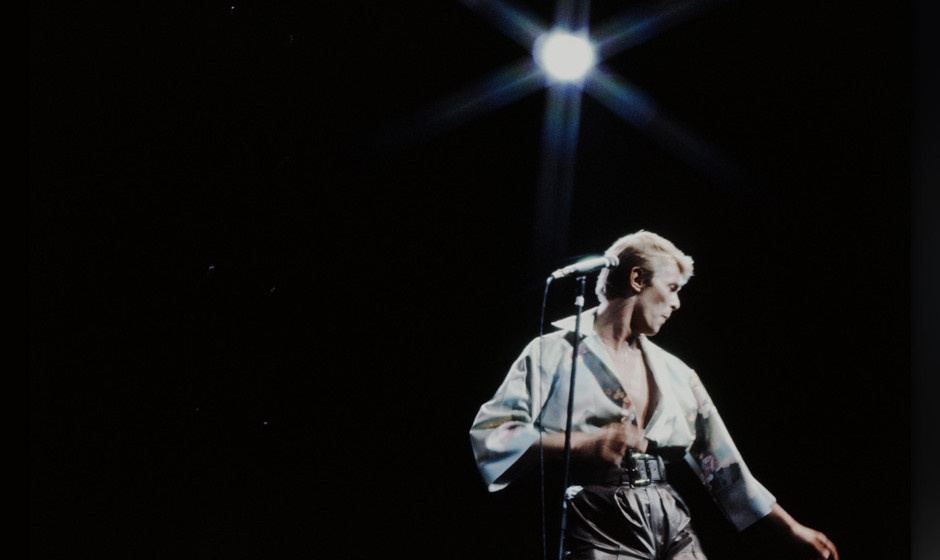 David Bowie live at NHK Hall, Tokyo, December 12, 1978. (Photo by Koh Hasebe/Shinko Music/Getty Images)
