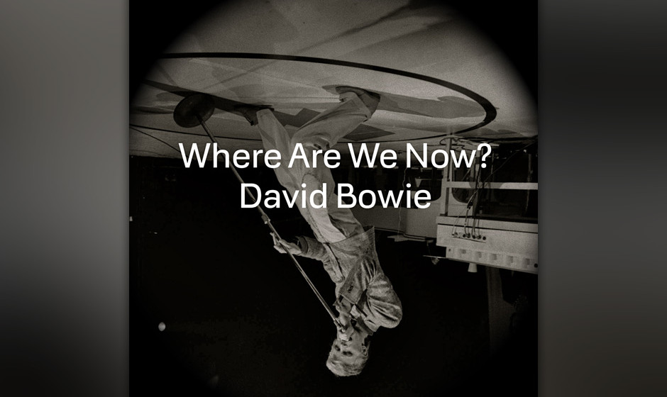 02 Nov 1974, New York, New York, USA --- 11/2/1974-New York, NY: David Bowie, British glitter-rock star who seems to get as m