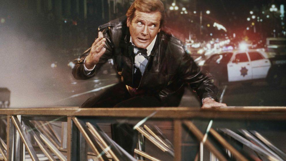 "Roger Moore als James Bond in ""Im Angesicht des Todes"""