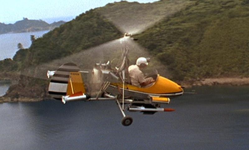 """Little Nellie heißt der kleine Ein-Mann-Hubschrauber aus """"Du lebst nur zweimal"""". Das Modell kann auch wirklich fliegen �"""