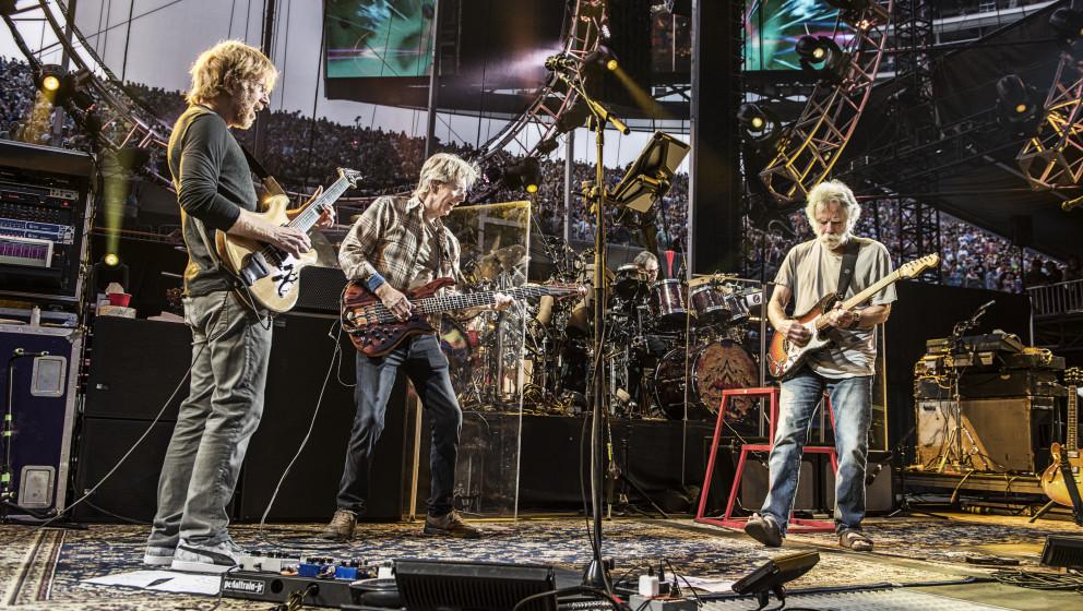 Grateful Dead bei einem ihrer letzten Konzerte in Chicago, 4. Juli 2015.