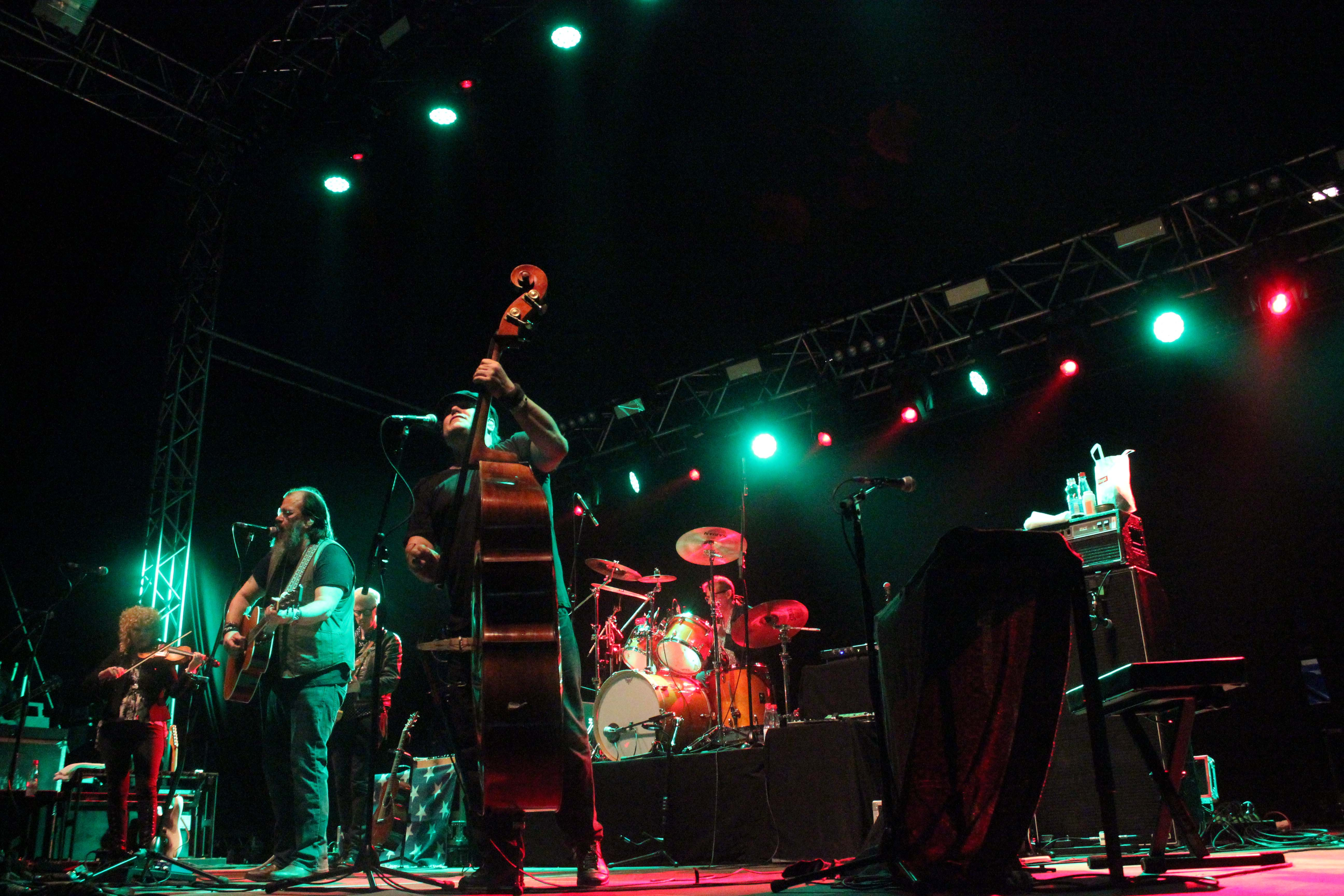 Steve Earle & The Dukes beim Rolling Stone Weekender 2015