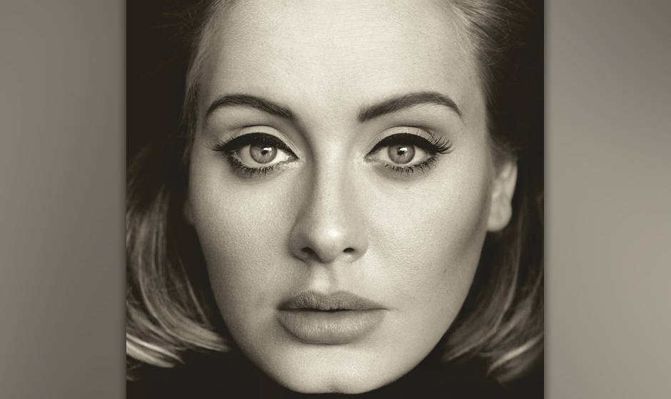 """Adele liefert mit """"25"""" ihr drittes Album in die Plattenregale – und konnte schon vor Veröffentlichung einige Rekorde brechen"""