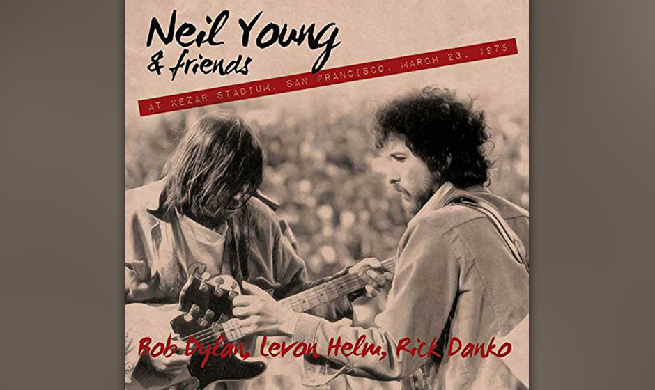 "Neil Young & Friends: ""At Kedar Stadium, San Francisco, March 23, 1975"". Holpriger Radiomitschnitt des Gipfeltreffens von"