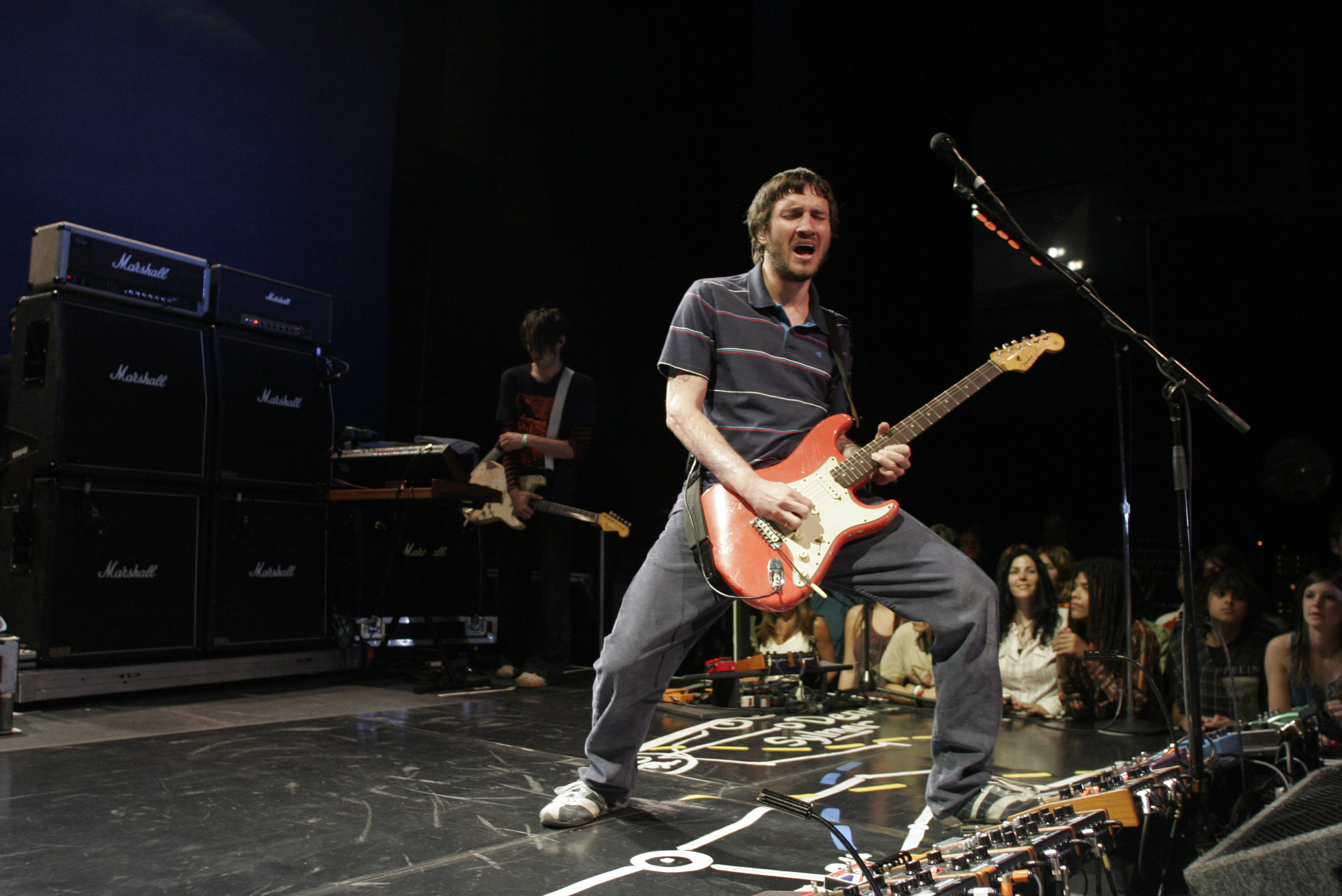John Frusciante live 2007 – hier noch mit den Red Hot Chili Peppers