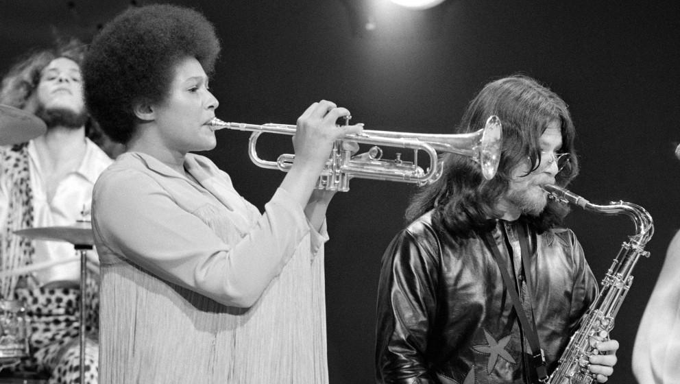Cynthia Robertson bei einer Session mit Sly and the Family Stone, 1969. Die Musikerin verstarb am 23. November 2015 im Alter von 69 Jahren