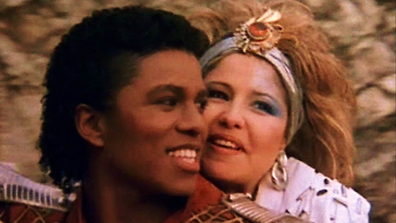 Jermaine Jackson und Pia Zadora im Musikvideo zu 'When The Rain Begins To Fall'