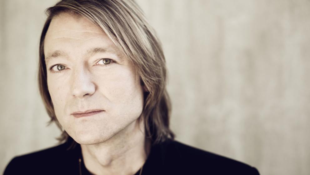 Jochen Distelmeyer singt jetzt auf Englisch