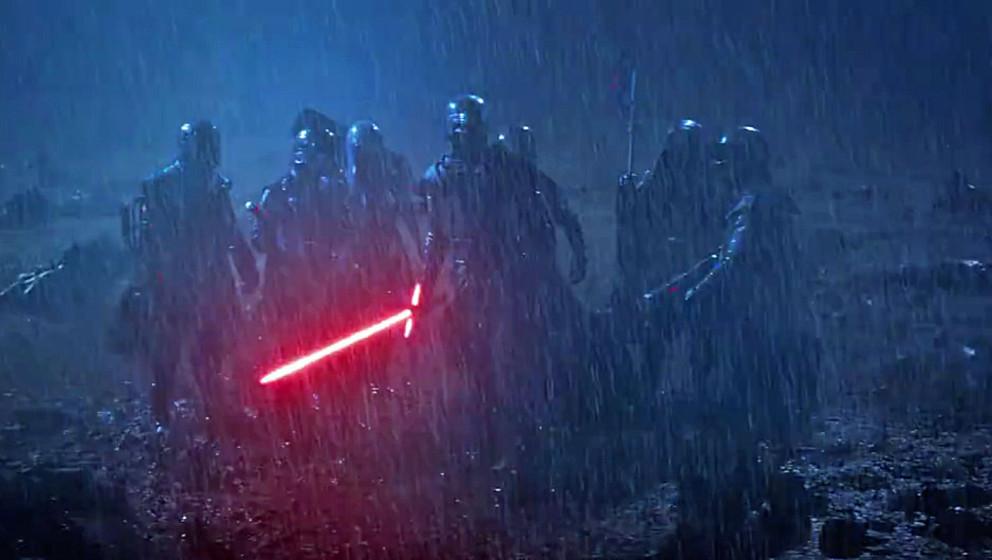 """Düster und bedrohlich: Das ist der neue """"Star Wars""""-TV-Spot mit Kylo Ren im Vordergrund."""