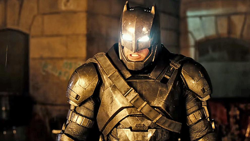 Batman in seinem Kampfanzug für die Schlacht gegen Superman.