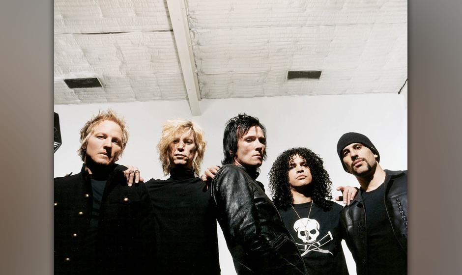 """2003 schloss sich Weiland der Supergroup Velvet Revolver an und spielte neben Matt Sorum, Duff McKagan und Saul """"Slash"""" H"""