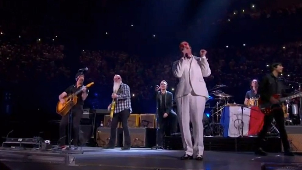 U2 und Eagles Of Death Metal in der AccorHotels Arena in Paris