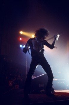 Queen-Night-At-The-Odeon-02.jpg