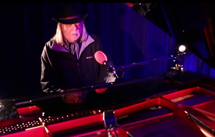 Rick Wakeman am Klavier