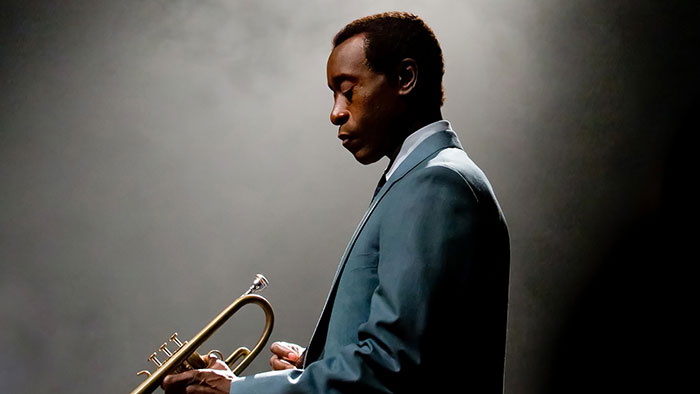 Don Cheadle als Miles Davis