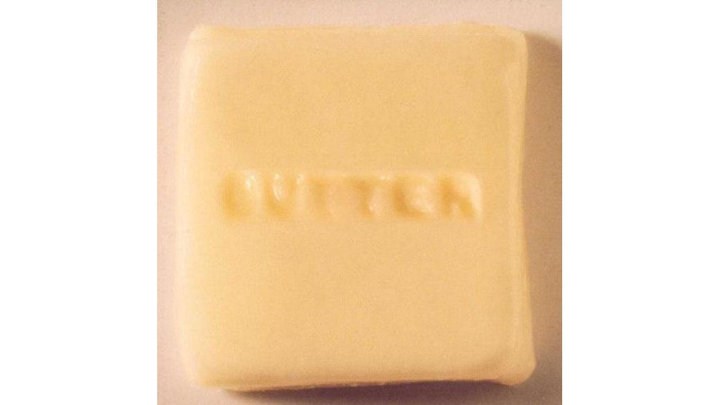 """Butter 08 - """"Butter 08"""" (1996)  Nach einem Barbesuch stolperten Yuka Honda und Miho Hatori von Cibo Matto mit Russell Sim"""