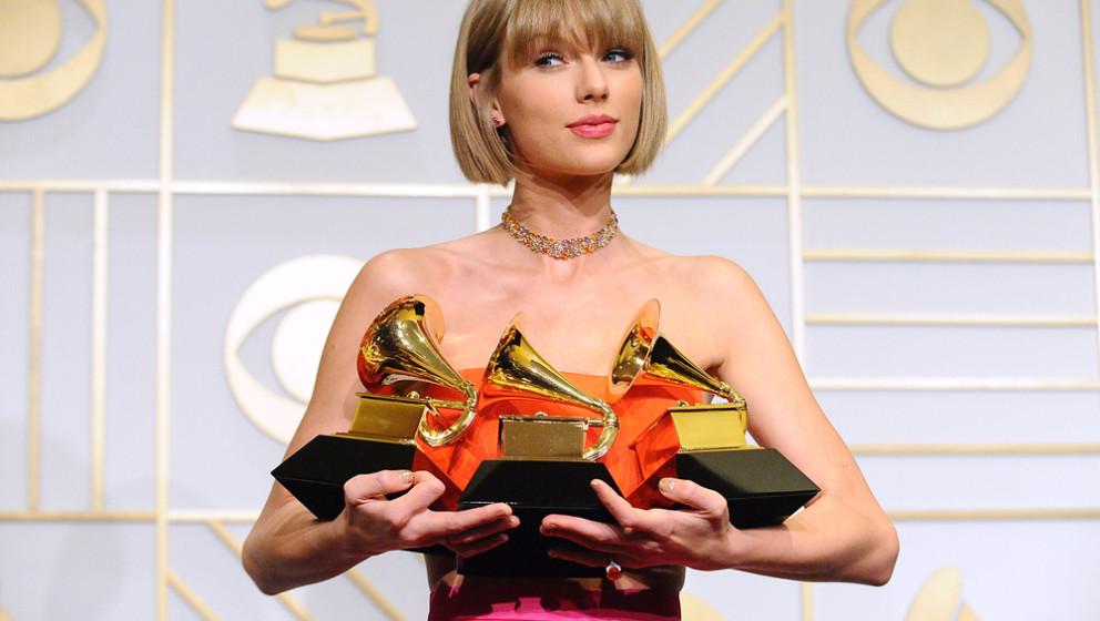 """Taylor Swift gewann drei Grammys - unter anderem für das """"Beste Album""""."""