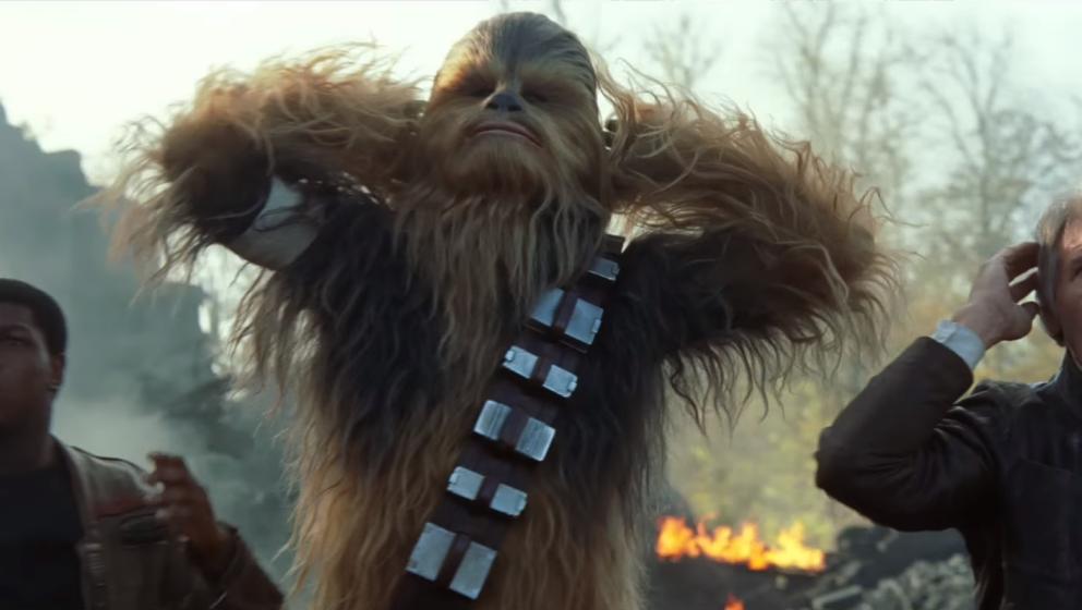 """Peter Mayhew als Chewbacca in """"Star Wars: Episode VII - Das Erwachen der Macht""""."""