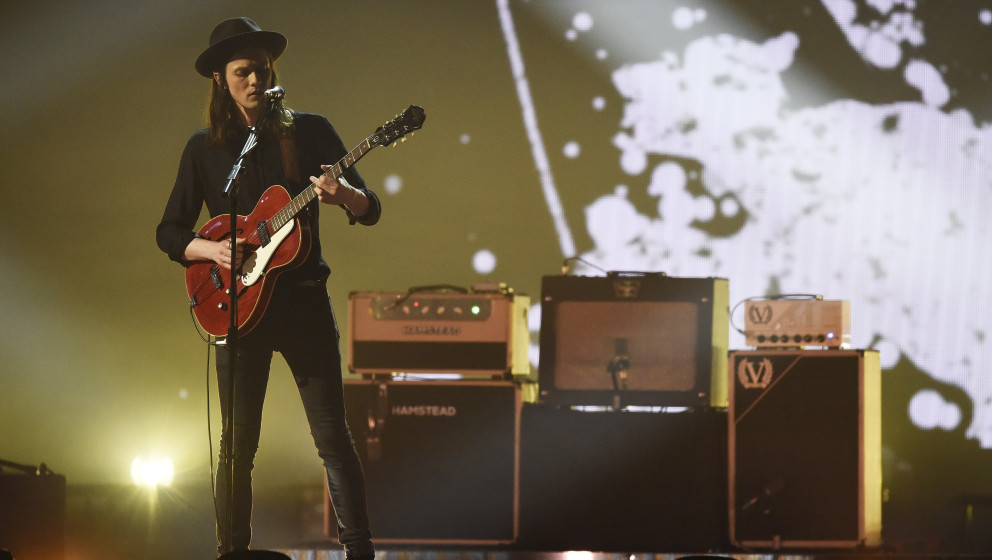 LONDON, ENGLAND - FEBRUARY 24:  James Bay performs during the BRIT Awards 2016 at The O2 Arena on February 24, 2016 in London