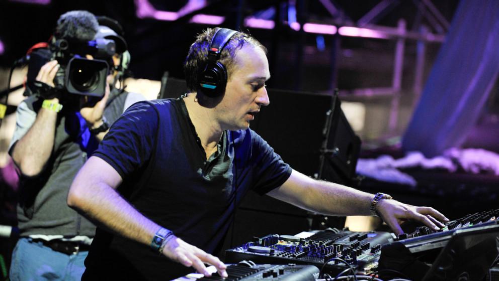 """Der Berliner DJ Paul Van Dyk stürzte beim """"A State Of Trance""""-Festival von der Bühne."""