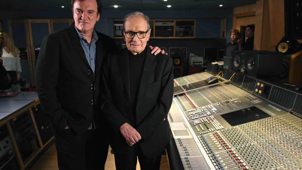 """Tarantino und Morricone bei den Aufnahmen zu """"The Hateful Eight"""" 2015"""