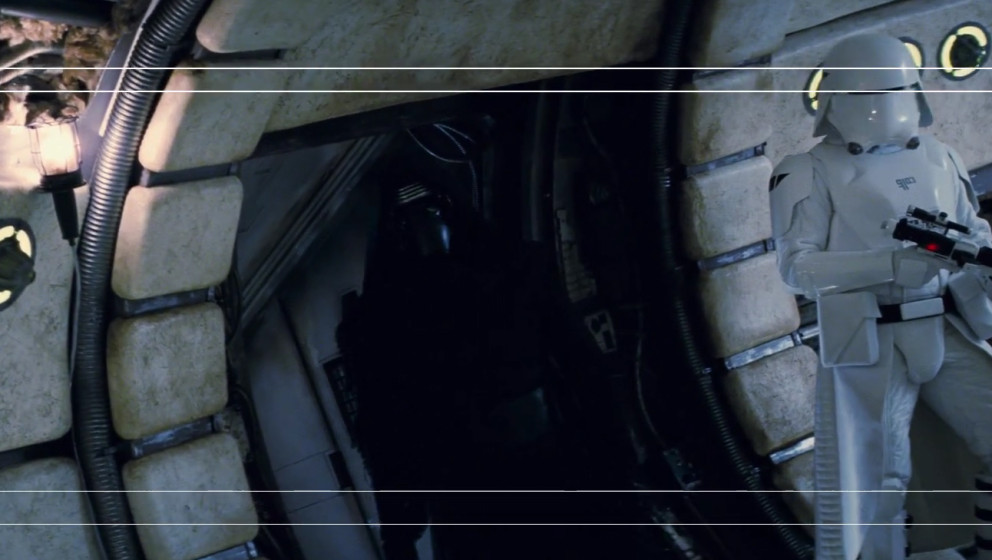 """Eine zusätzliche Szene von """"Star Wars: Das Erwachen der Macht"""" Kylo Ren im Millenium Falken."""