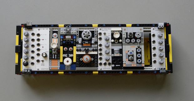 lego-synth-module
