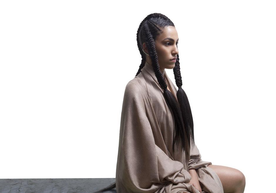 """Lafawndah veröffentlichte am 4. Februar 2016 ihre Debüt-EP """"Tan""""."""
