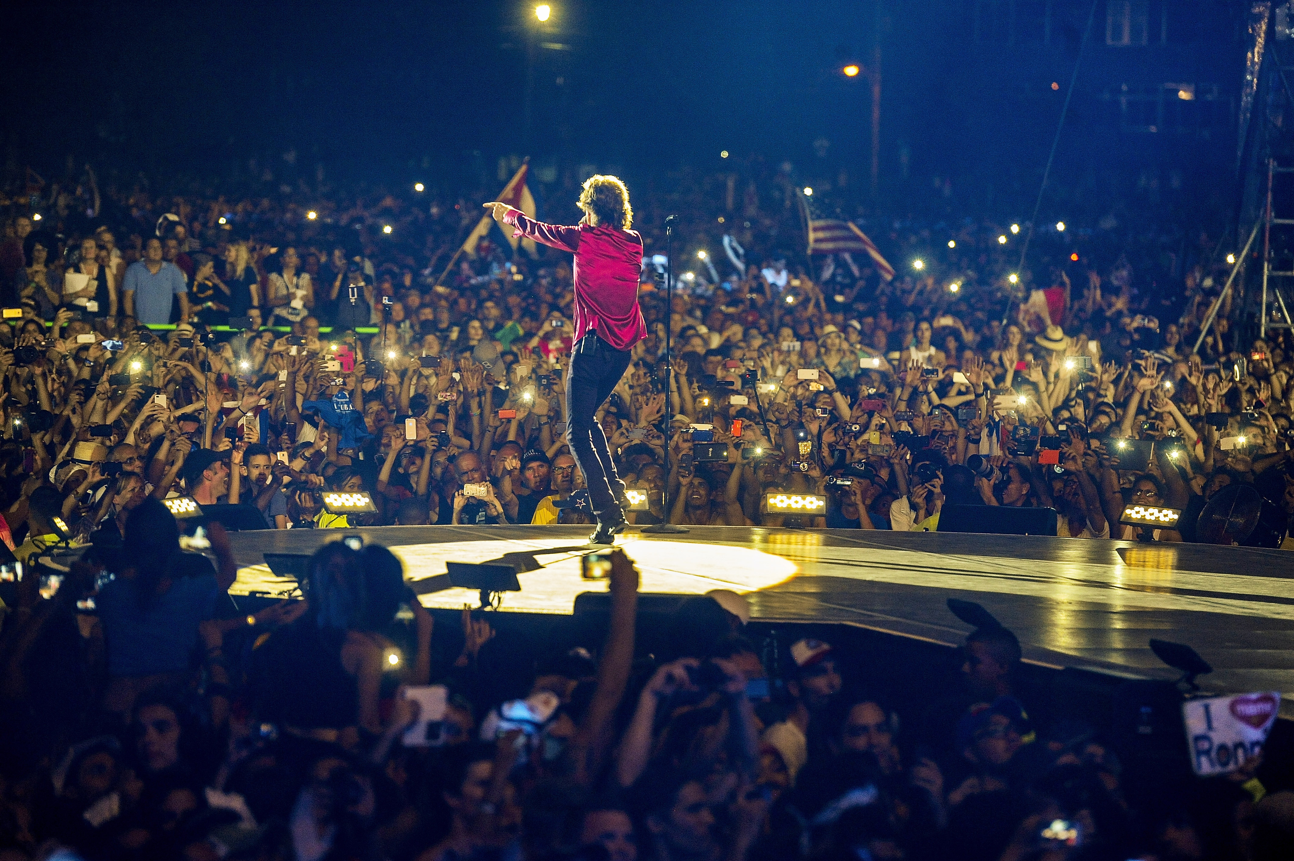 HAVANA, CUBA - MARCH 25:  Mick Jagger performs on stage during The Rolling Stones concert at Ciudad Deportiva on March 25, 20