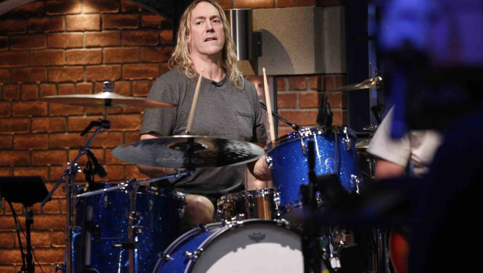 LATE NIGHT WITH SETH MEYERS -- Episode 425 -- Pictured: Drummer Danny Carey performs with The 8G Band on September 26, 2016 -
