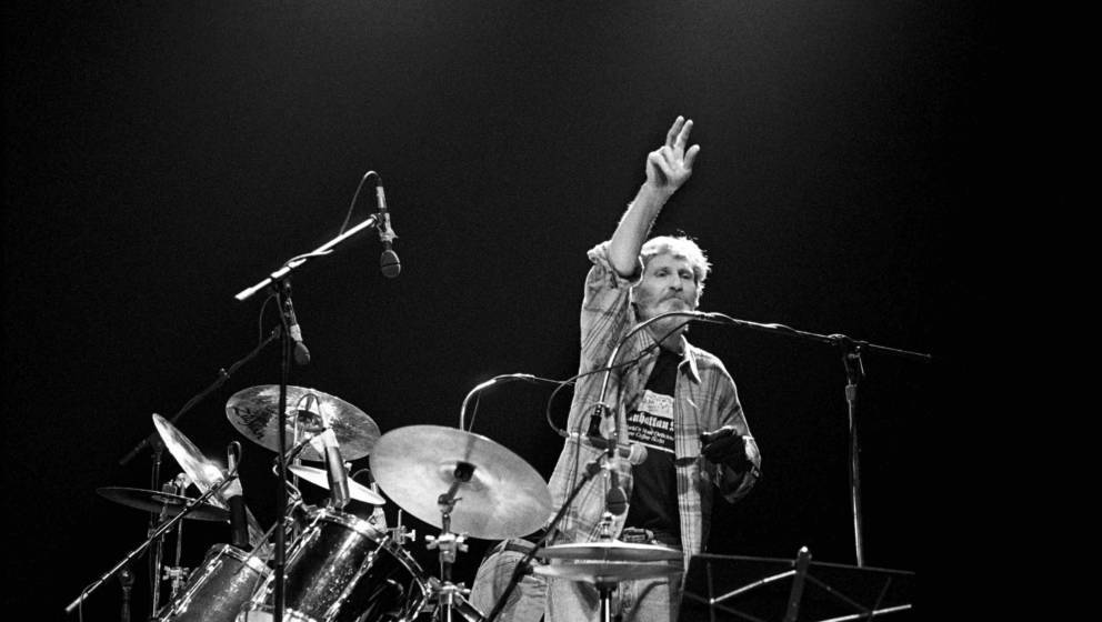 Levon Helm performing with The Band at the Beacon Theater in New York City on March 31, 1994. (Photo by Ebet Roberts/Redferns