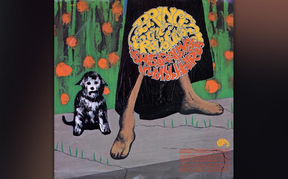 65. 'She's Always In My Hair' (B-Seite 'Raspberry Beret', 1985).  Das Label war angetan von diesem lauernden Rocksong – wei