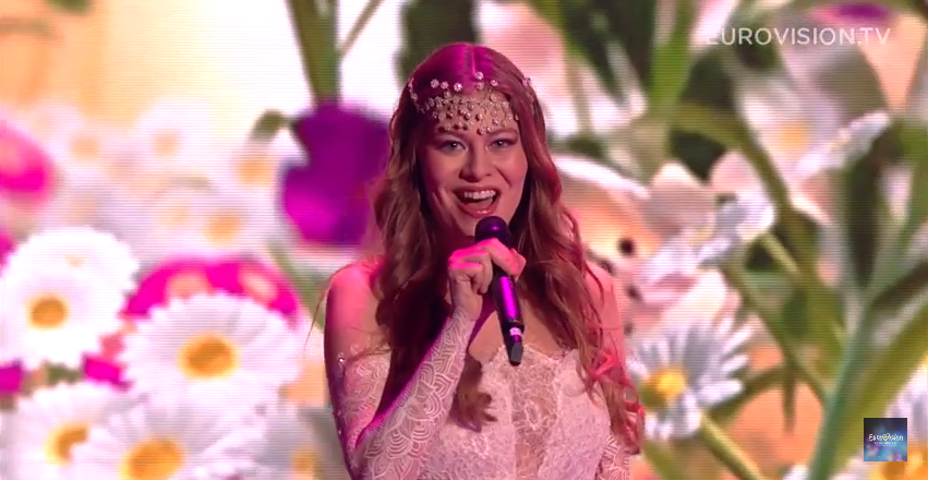 5. Österreich: Zoe, 'Loin D'ici'.   Schnuckelchen mit lieblichem Elektro-Chanson, auf Französisch gesungen.  Angenehm.