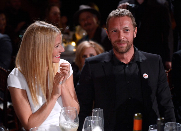 BEVERLY HILLS, CA - JANUARY 11:  Gwyneth Paltrow and Chris Martin attend the 3rd annual Sean Penn & Friends HELP HAITI HO