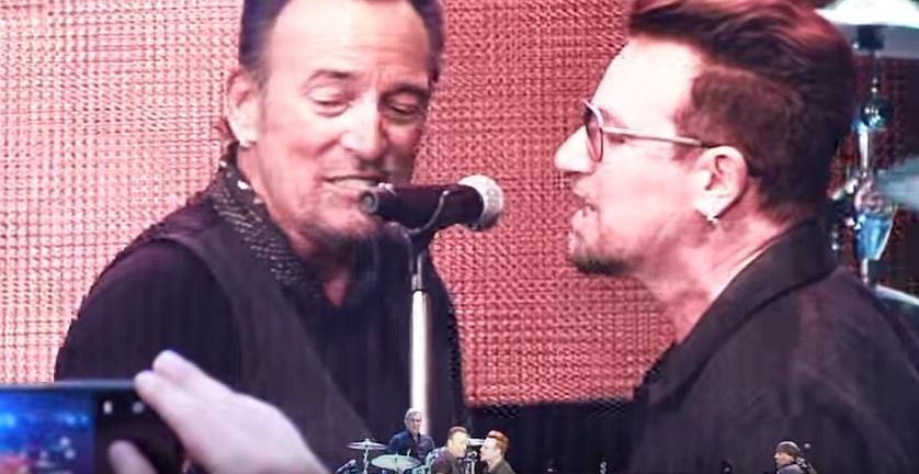 Bruce Springsteen bei seinem Auftritt mit Bono in Dublin