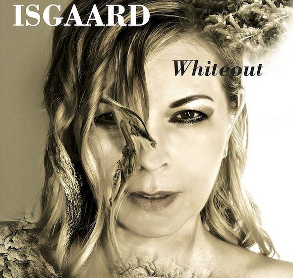 Isgaard Whiteout – ★. Ethnopop, Esoterik, Emo-Folk: Dass die deutsche Sängerin ihren von Streicherschwulst und Schweiner