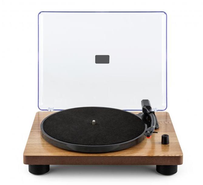 Nostalgischer Plattenspieler mit Riemenantrieb und USB-Port zum Abspielen und Digitalisieren von Schallplatten