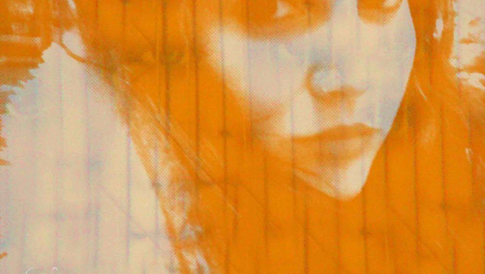 Globelamp – The Orange Glow ★★. Elizabeth Le Fey alias Globelamp müht sich redlich, mit jeder Faser fragil und ätheri