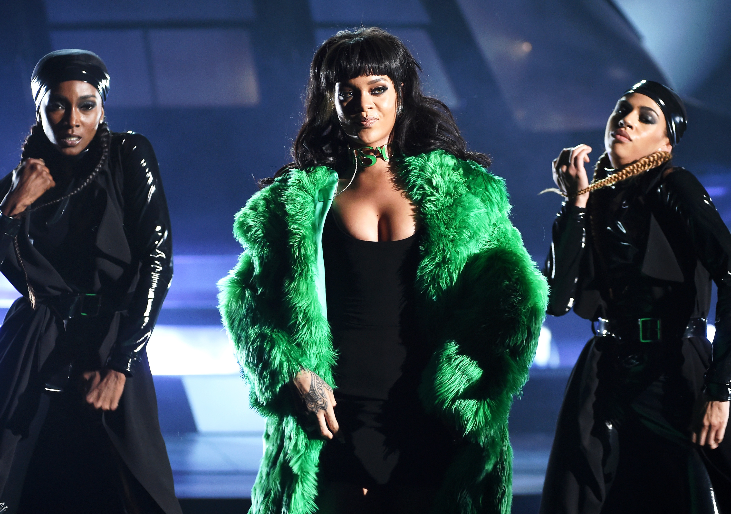 LOS ANGELES, CA - MARCH 29:  Singer Rihanna performs onstage during the 2015 iHeartRadio Music Awards which broadcasted live