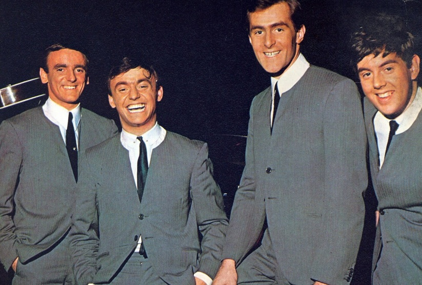 "04. Gerry And The Pacemakers - ""You'll Never Walk Alone"""