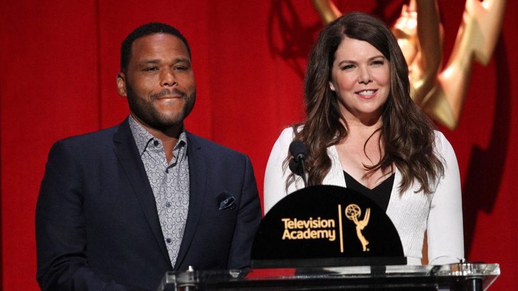 Anthony Anderson und Lauren Graham haben die Nominierten präsentiert.